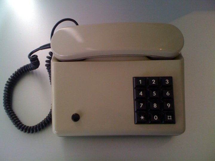 Eski Modern Telefon